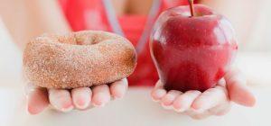 apple-donut-hands